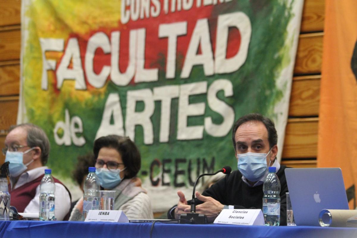 Fernando Miranda durante la sesión del Consejo Directivo Central